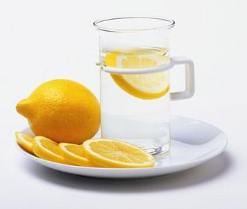 вода с лимоном против камней в почках