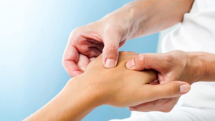 симптомы и лечение полиартрита пальцев рук