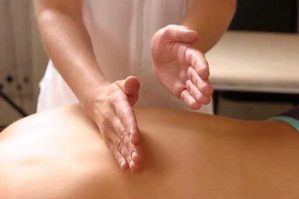 массаж ребром